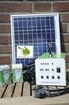 Draagbaar zonnesysteem van 30w inclusief accu